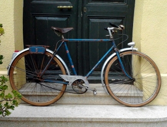 Alphonse Thomann, pintamos bicicletas clásicas 5, después de quitar la pintura marrón.... sorpresa !!